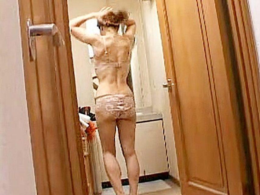 ◇近親相姦◇『母さんも一緒に入ろうかなぁ..♡』旦那の帰りが遅い日は、息子と風呂に入るみたいョ!?仲良しエロ親子です..