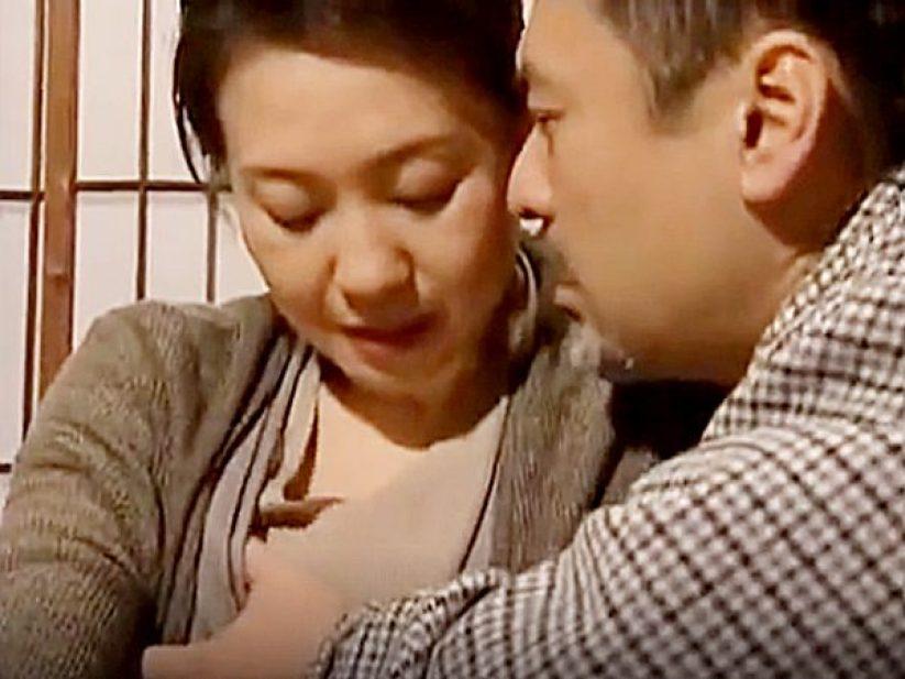 ★ロマンポルノ・嫁の母 エロドラマ・寝取り★『おっ、お義母さん!』娘が緊急入院。。娘婿の世話をする美熟女未亡人ママですが