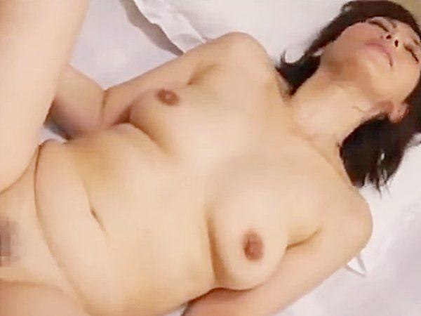 ◆母子相姦|翔田千里◆『あんッ!あッあぁぁ..♡』ムチムチおばさんボディの美熟女ママ。。息子チンポでピストンされてますョ
