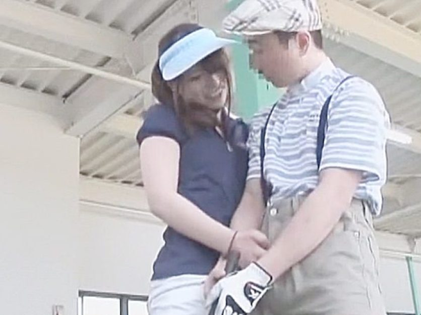 ☆痴女・ラッキースケベ|スポーツ・逆痴漢☆『おっきくナッてきたねぇ~♡』少年にゴルフレッスンしてくれる美人お姉さんですが