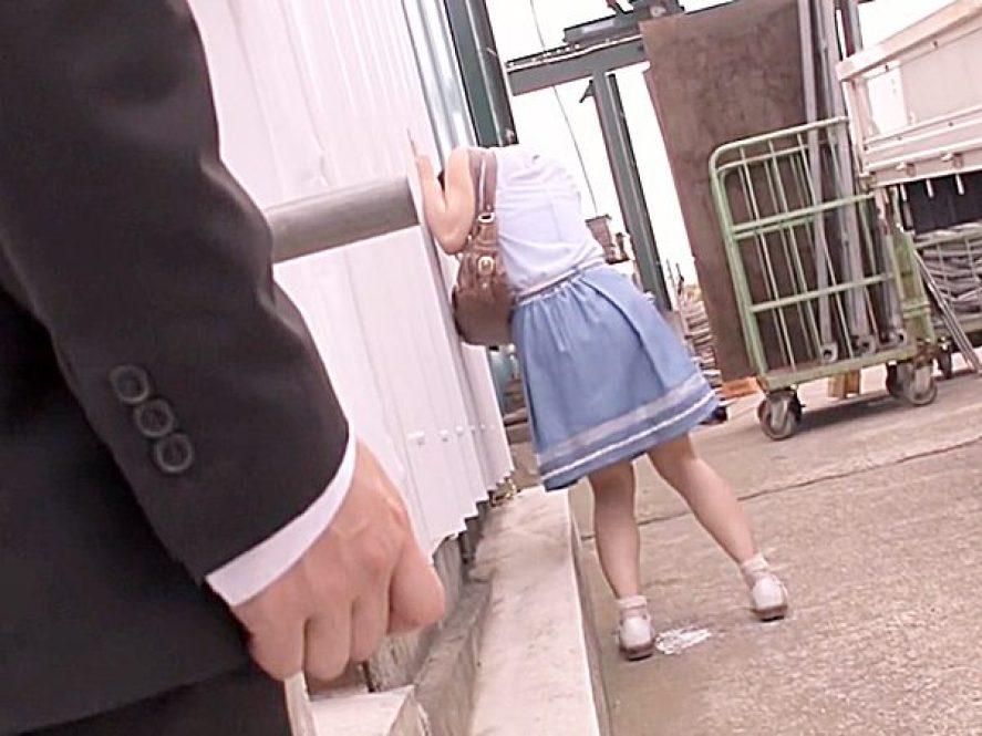 ◆凌辱・バス痴漢 着衣セックス◆『あっあっ..!?』車内でリモバイ仕込まれ、下車して必死に逃げる美少女ですが。。失禁や~