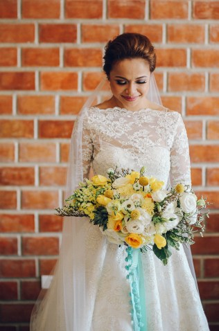 Modern Yellow Bouquet for Aimee // photo by Rainbowfish Photos