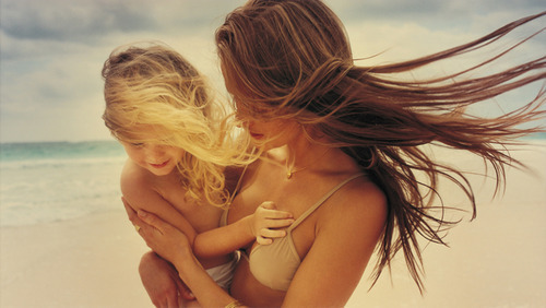 moms and kids: beach