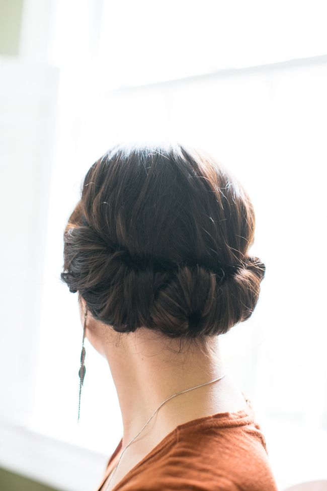 easy summer hairstyles: 2 minute updo