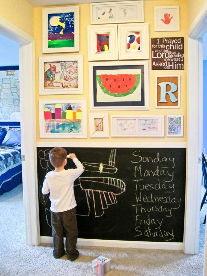 girls room: gallery wall with chalkboard