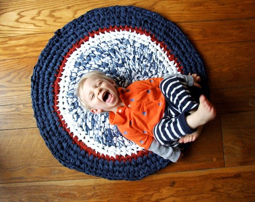 Momtrepreneur: King Soleil upcycled crochet rug