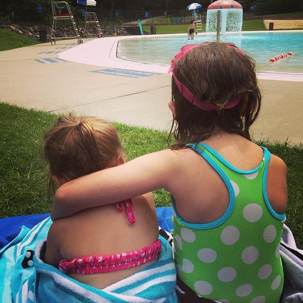 summer living: sister love