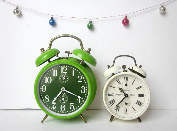 Etsy finds: vintage clocks from 5 Little Cups