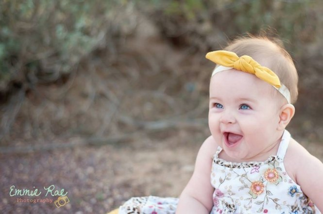 Momtrepreneur | Pieces to Peaces mustard rockabilly bow