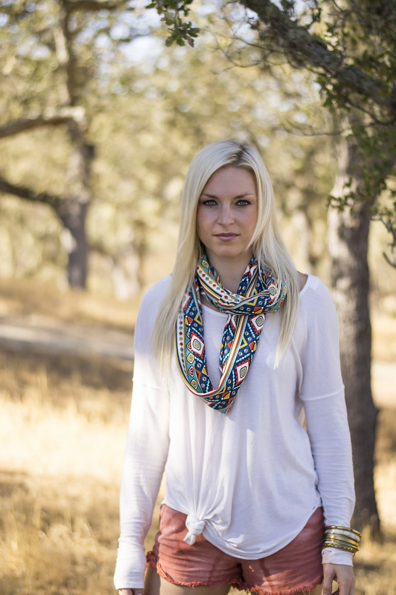 Momtrepreneur | Pieces to Peaces navajo blanket infinity scarf
