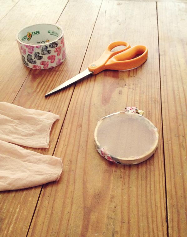 """DIY screen printing: """"screening"""" the embroidery hoop"""