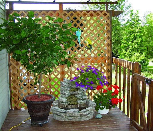 outdoor living inspiration: lattice panels