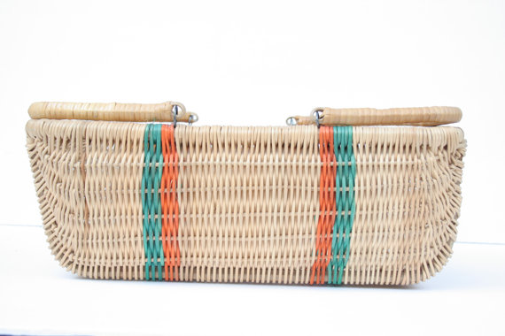 vintage finds: wicker basket with retro stripes via ILuvtheNW
