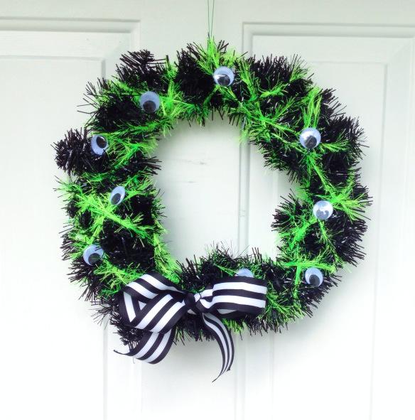 DIY Halloween decor   Halloween wreath