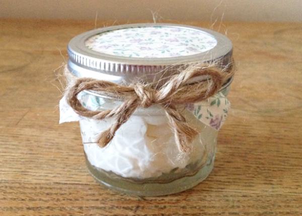 DIY bath and body gifts | coconut body butter
