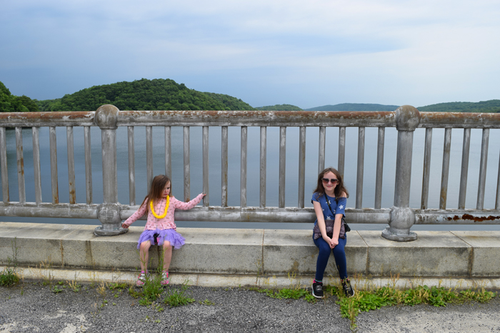 hiking Croton Gorge Park with kids