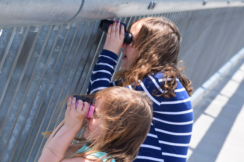 kids fun spying on boats on Walkway Over the Hudson