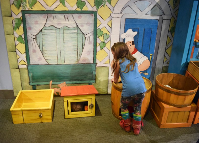 Liberty Science Center | Curious George: Let's Get Curious! produce stand