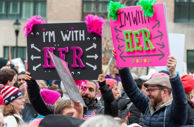 Best Women's March Signs | I'm With Her via Business Insider