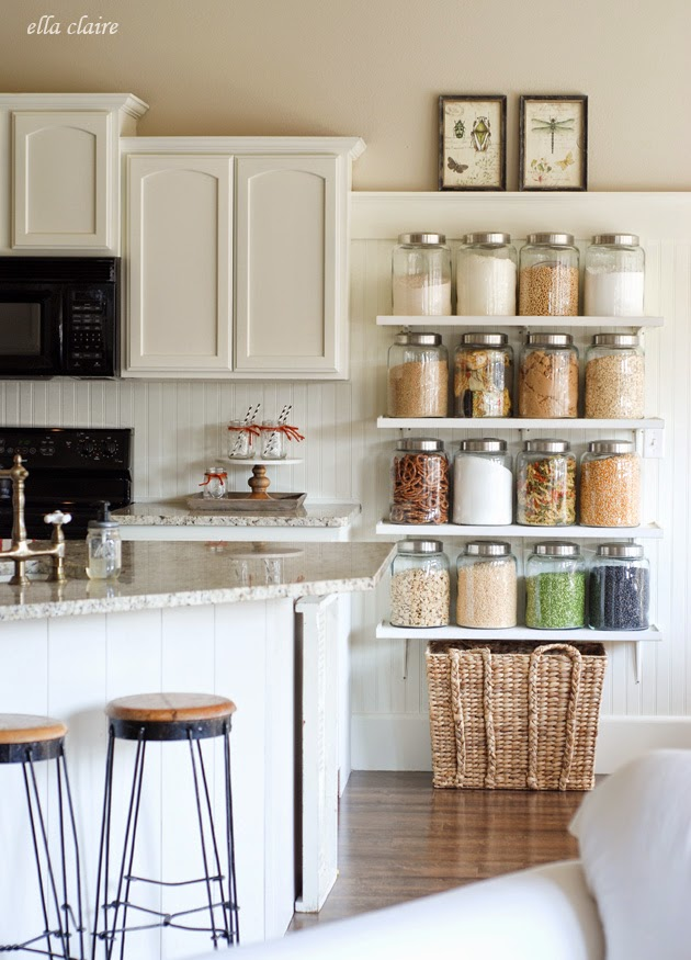 10 Shelf Styling Tips From An Interior Designer