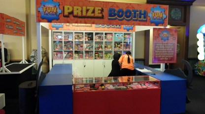 Atlantis Fun Factory Prize Booth