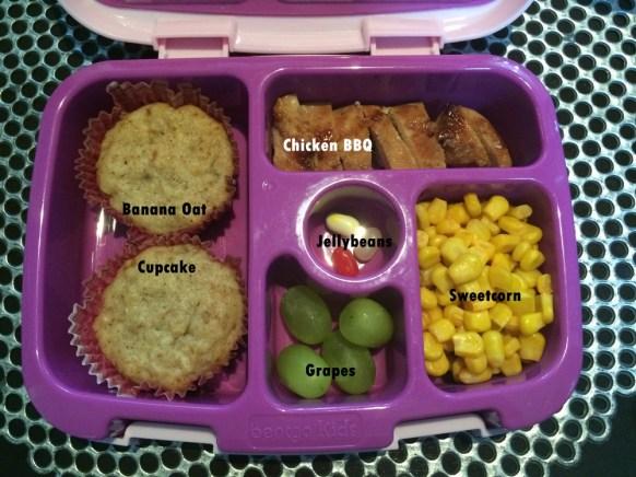 banana oat cupcake and chicken bbq bentgo kids