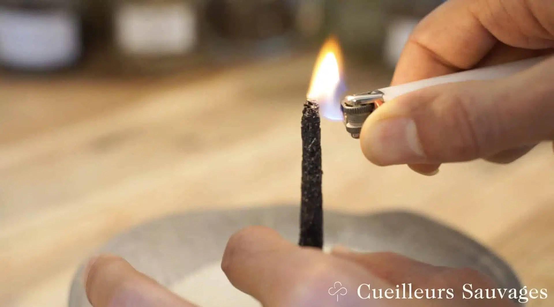 Formation sur la fabrication de l'encens: allumage