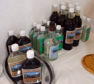 Trancahuaico samples in the tasting room at Angel's home in Oña.