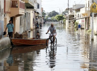 Flooding rains in coastal areas has made the chikungunya outbreak worse.
