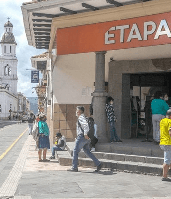 Mothers Day serenades allowed; ETAPA is solvent again; Complaints lodged about vaccination lines; National Assembly debates online sexual crime law