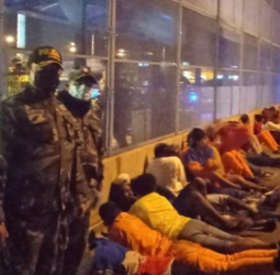 Lasso considers mass prisoner release to relieve overcrowding after gang warfare kills 22