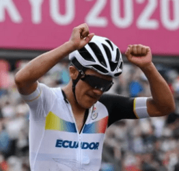Richard Carapaz wins gold in Olympic cycling 25 years after Ecuador's first gold medal finish