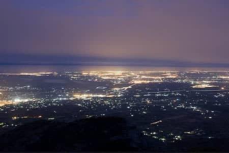 vista nocturna desde la sierra de crevillente