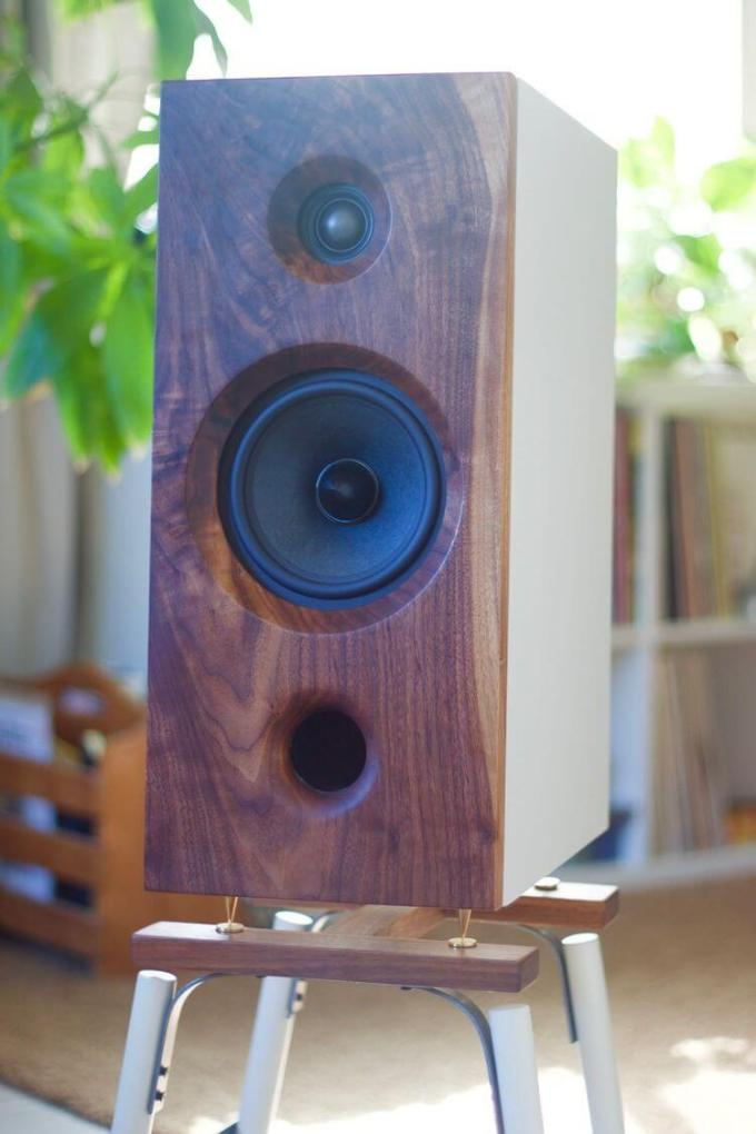 The HAYWORTH | Walnut & White Mid Towers By: Romantic Speakers