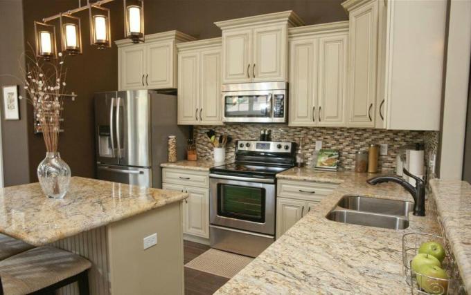 Beautiful White Kitchens With Granite