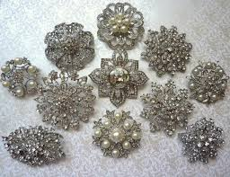 Solitaire Brooches