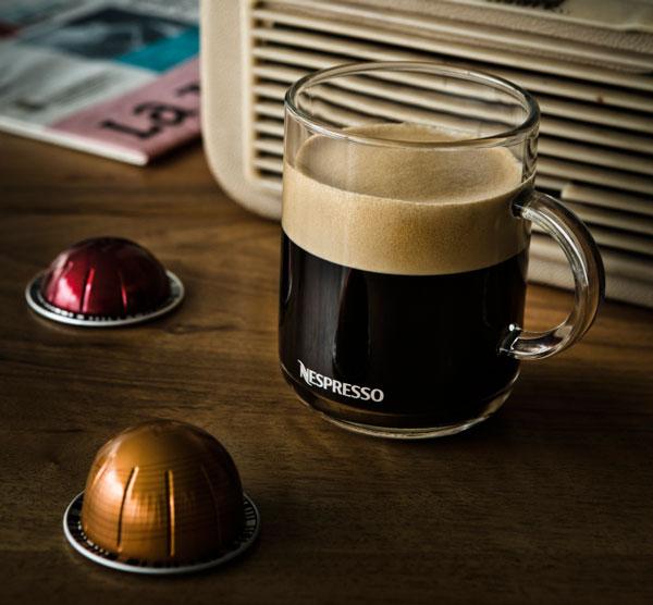 Nespresso Sur Le March Du Caf En Grandes Tasses Avec