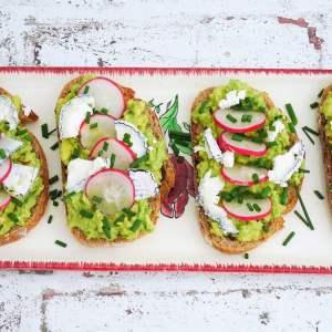 Avocado Toast – Recette du livre de Laurent Mariotte mieux manger toute l'année 2019