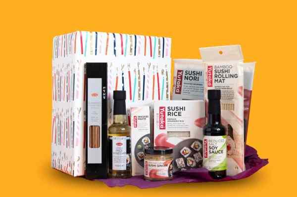 Gift Wrap Cuisine Box