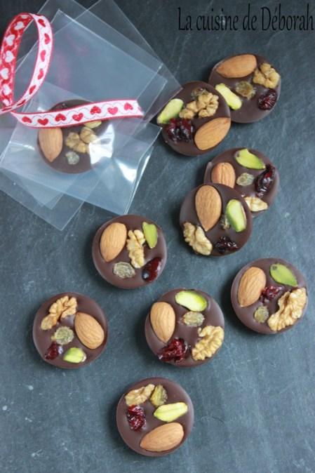 Les mendiants au chocolat noir ou au chocolat blanc- La cuisine de Déborah