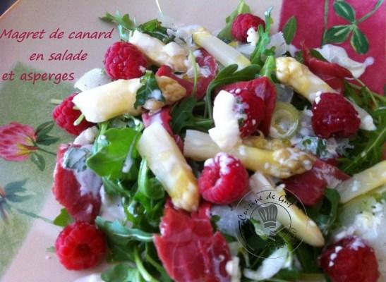 Présentation de la salade dans l'assiette