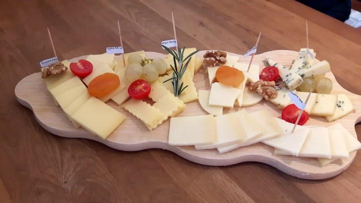 Pont-de-Martel cheese plate