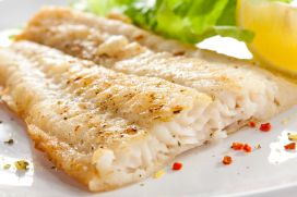 29848200 - pan fried fish fillet with vegetables