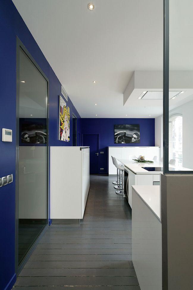 une cuisine en couleur et transparence cuisines et bains. Black Bedroom Furniture Sets. Home Design Ideas