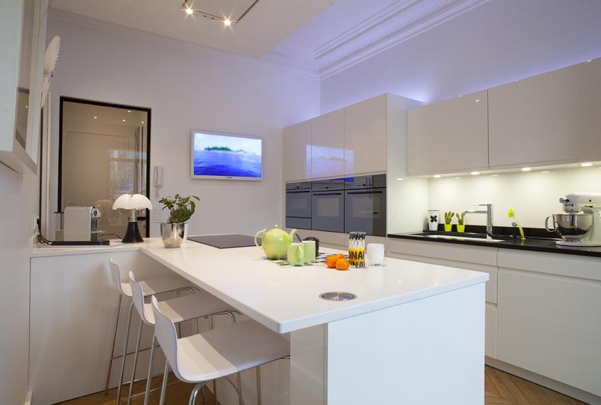 Cuisine sur mesure le service en plus cuisines et bains - Cuisine et bains magazine ...