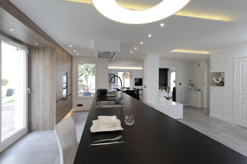 la cuisine ouverte sur le salon une vraie tendance 1 2 cuisines et bains. Black Bedroom Furniture Sets. Home Design Ideas