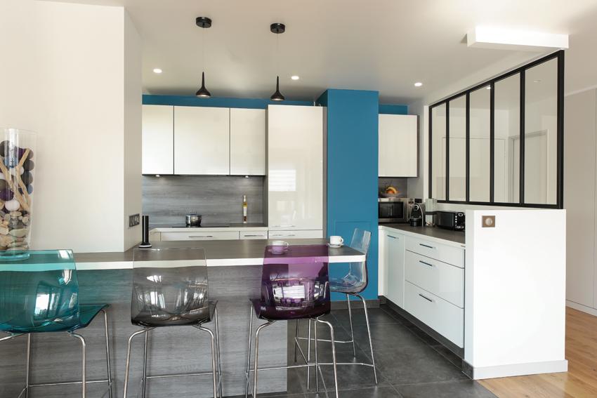 cuisine blanche et bleu