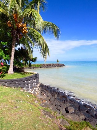 Samoa–Lovely shoreline