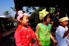Inle Lake, Myanmar–Greeting Committee2