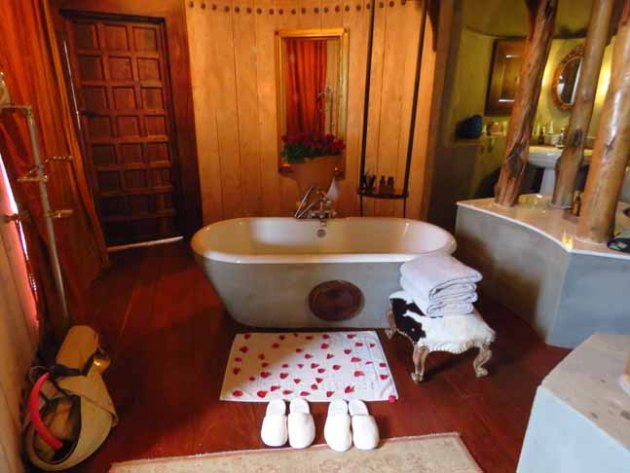 Tanzania Ngorongoro Crater Bath Time!